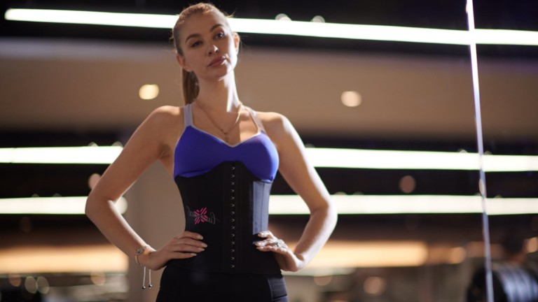 LissommeX Waist Trainer helps you avoid injuries while training