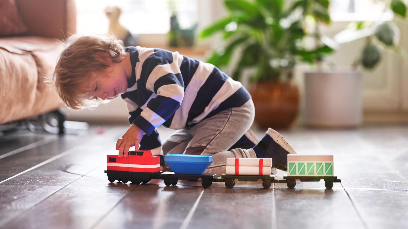 LoCoMoGo Train Coding Toy will teach children ages 4-12 how to code