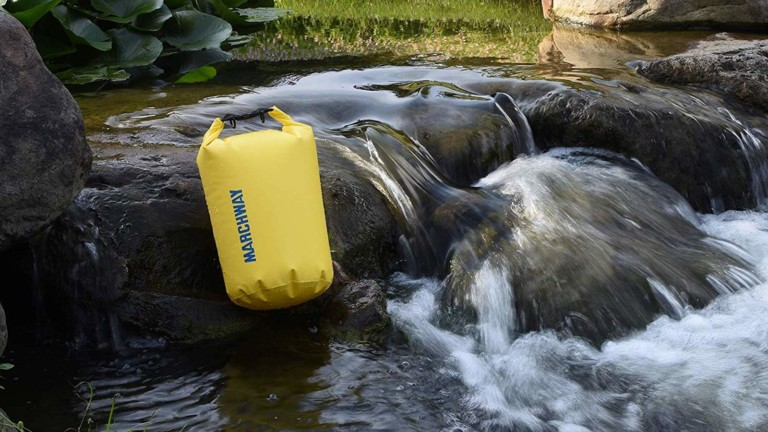 MARCHWAY Floating Waterproof Roll Top Dry Bag keeps all your belongings safe