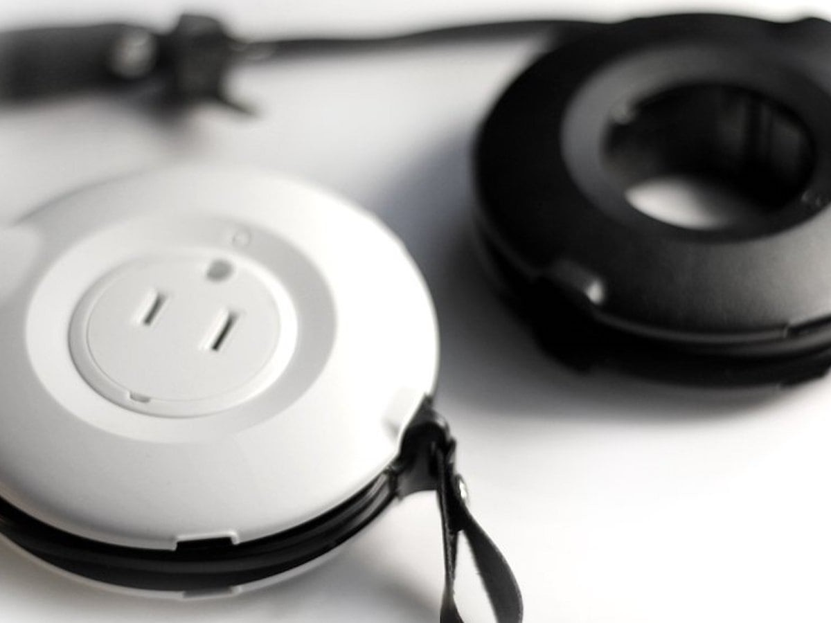 MOGICS Donut Circular Power Strip has 5 different AC outlets