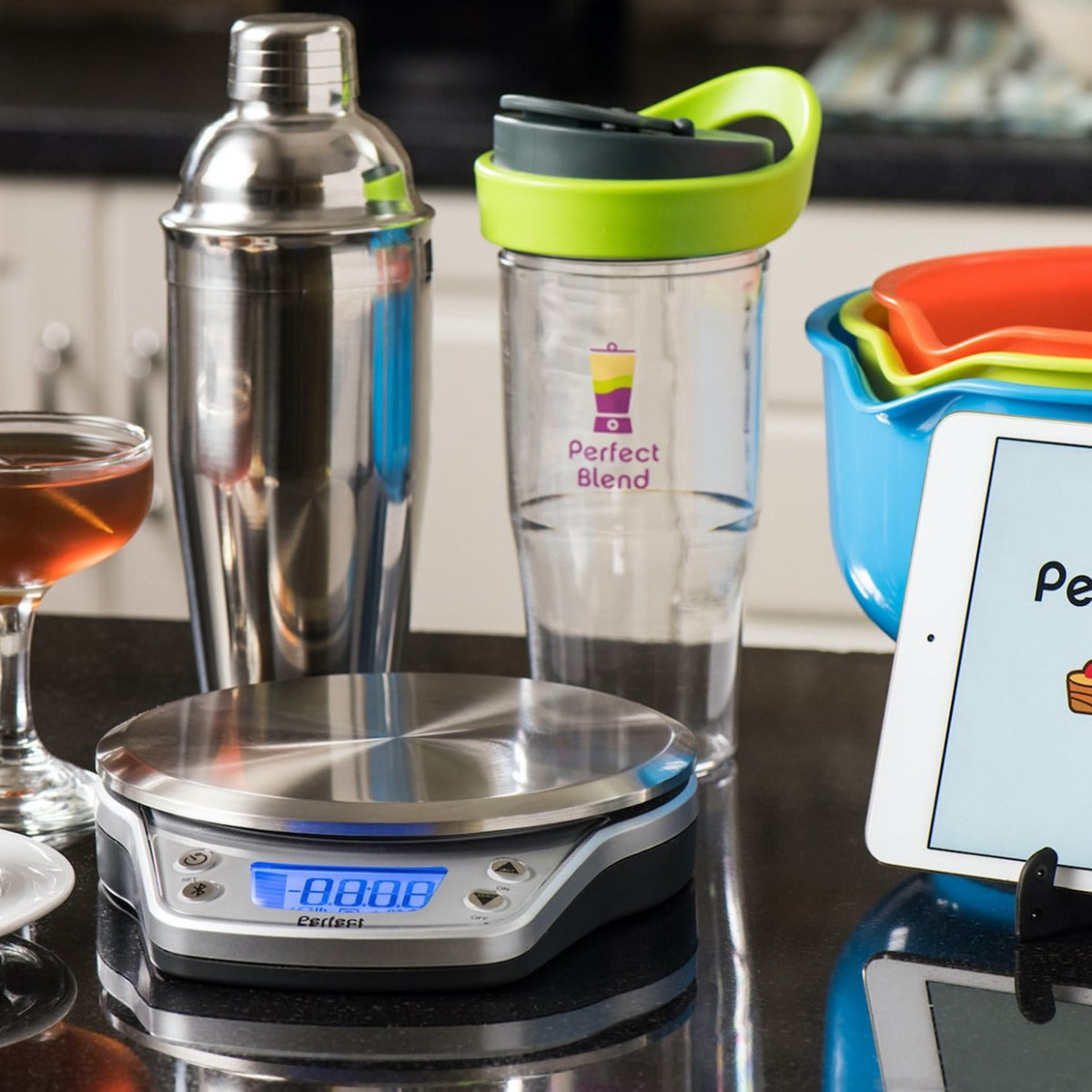 Perfect Drink Pro Smart Cocktail Scale ensures you mix the perfect beverages