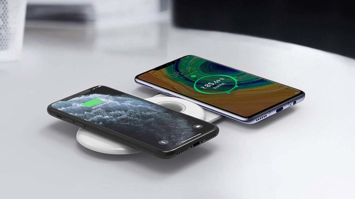 RapidX 2Tango Dual Compact Fast Wireless Charger powers up two devices at once
