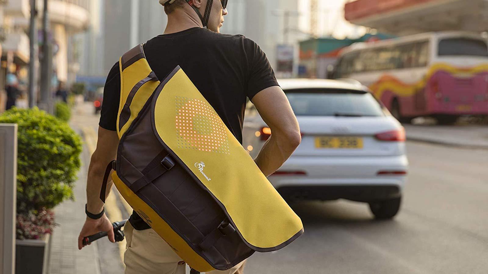 Roadwarez Cruiser Smart Cycling Backpack displays 256 customizable color LEDs