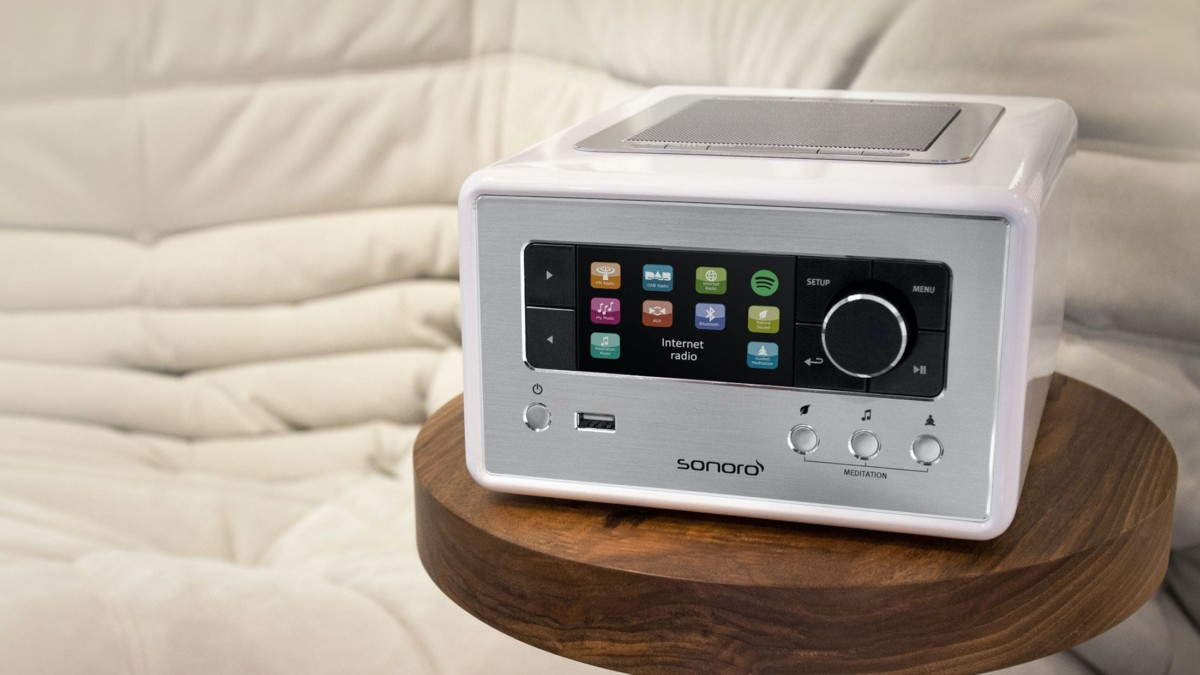 Sonoro ELITE Compact Internet Radio plays music from nearly any source, including CDs
