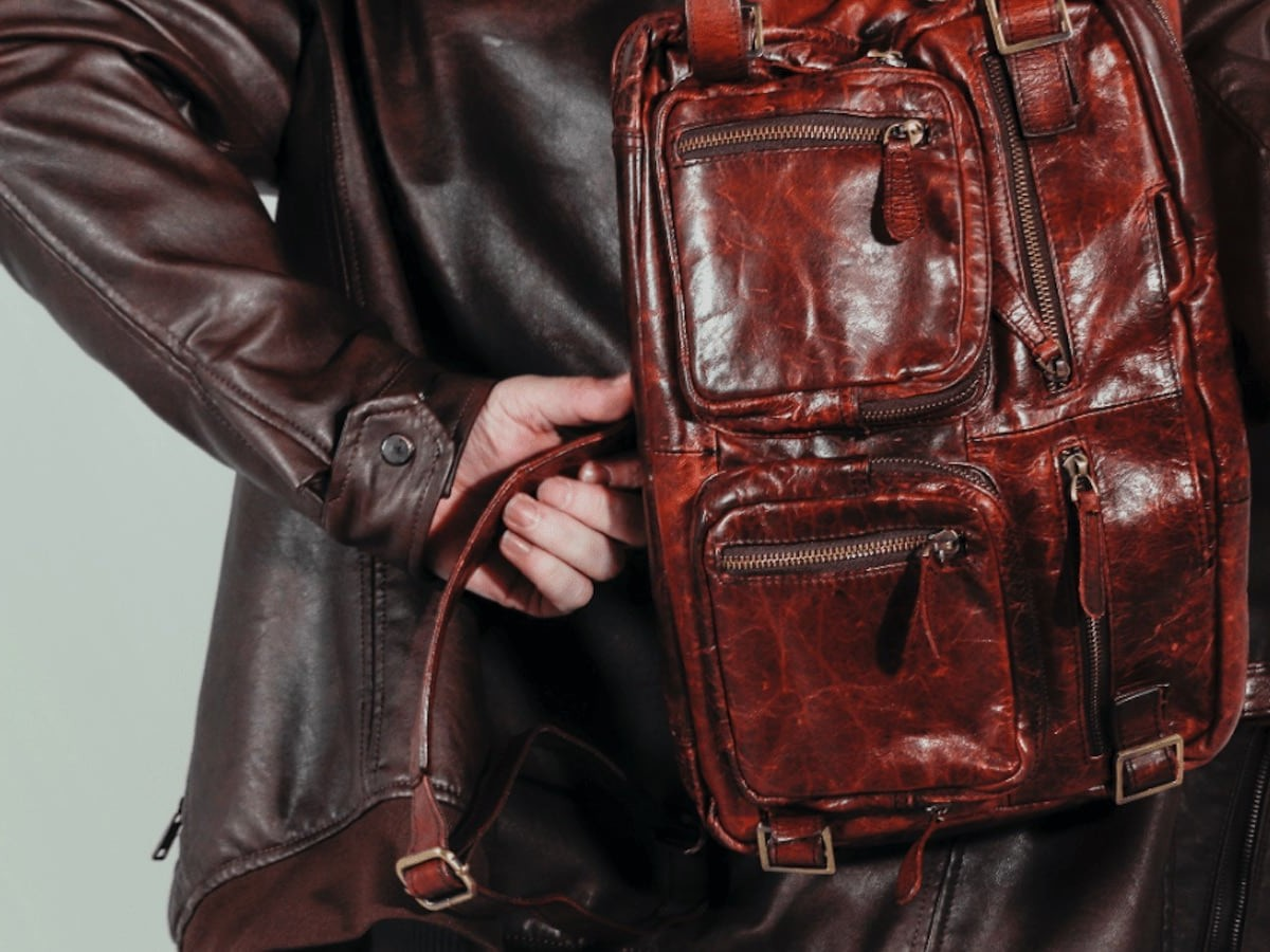 TANTUM from Hyde Reimagined Classic Leather Bag can be carried in four different ways