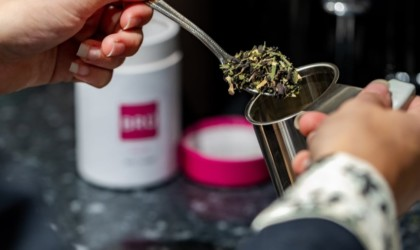 BRÜ Instant Tea Brewing Machine