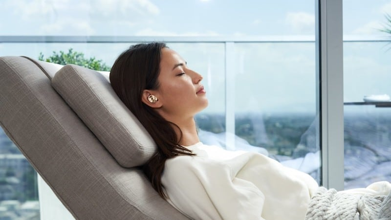 AI-Powered noise cancellation with Pearl AI Earbuds