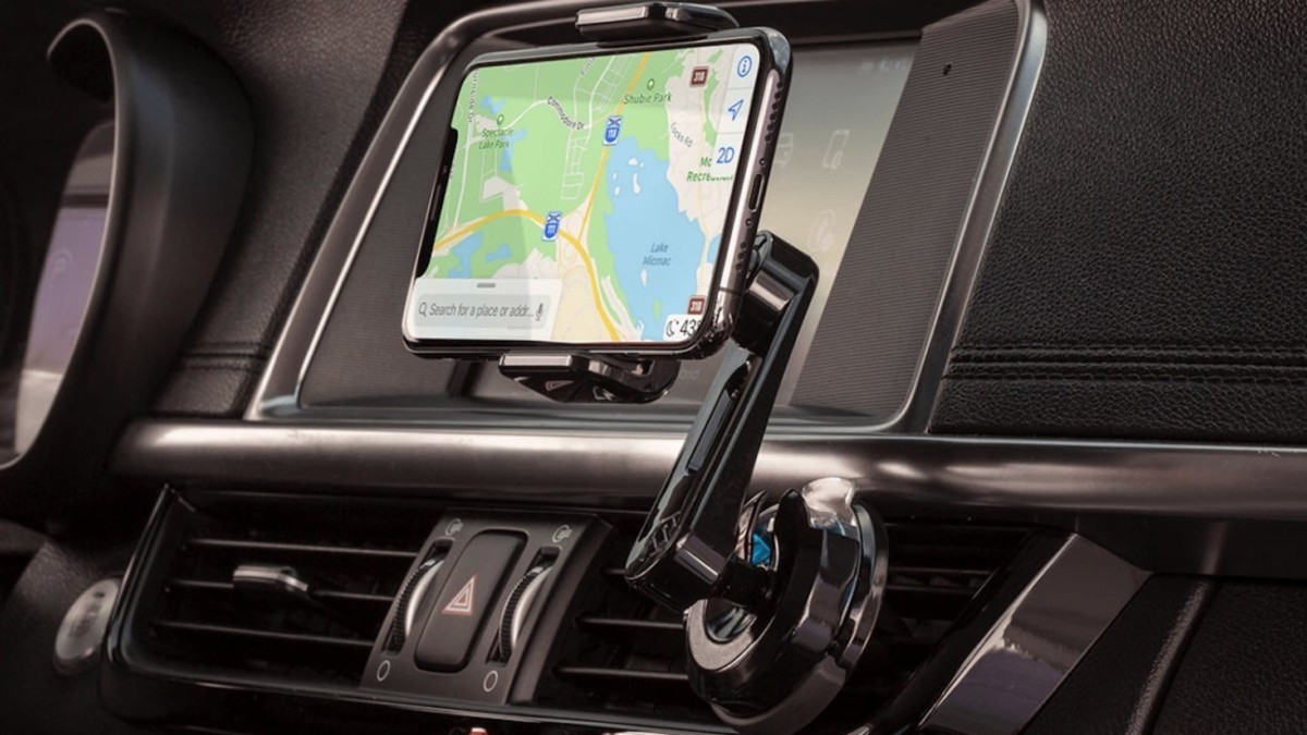 These smartphone vent mounts will keep your car smelling pleasant