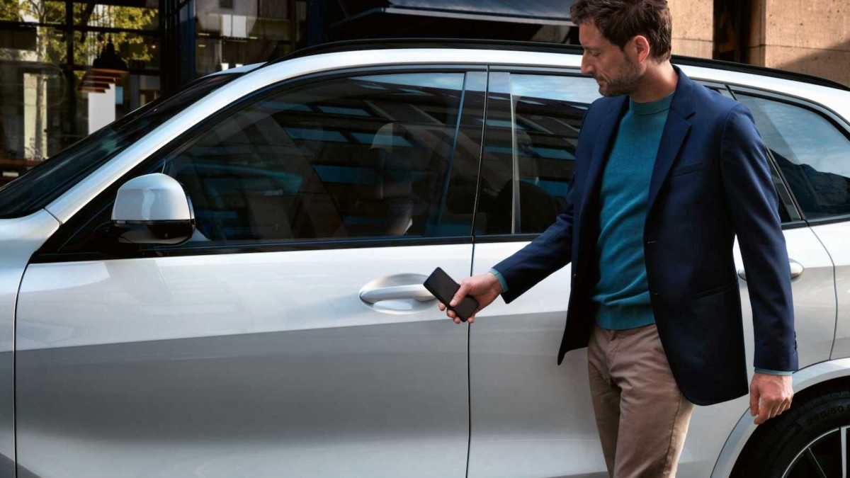 An Apple CarKey feature could make it easier to start your car