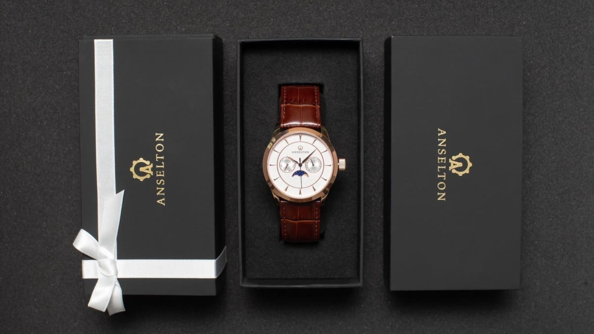 Anselton watches packaging
