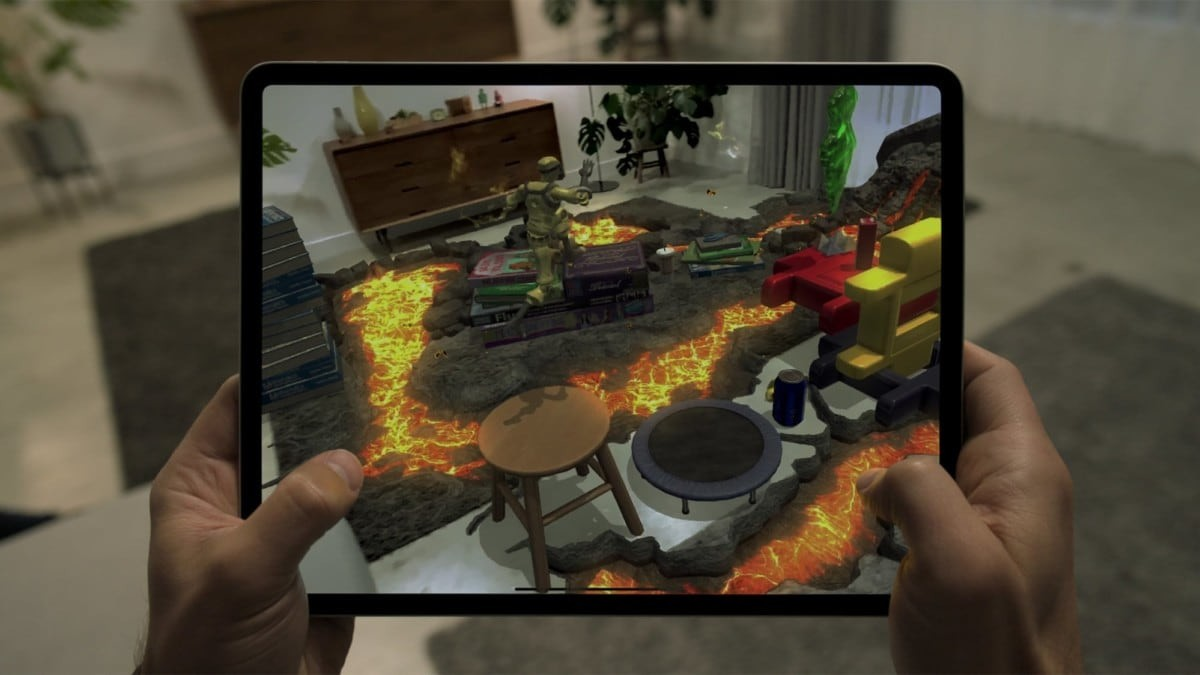 Apple iPad Pro 4th Gen Gaming View
