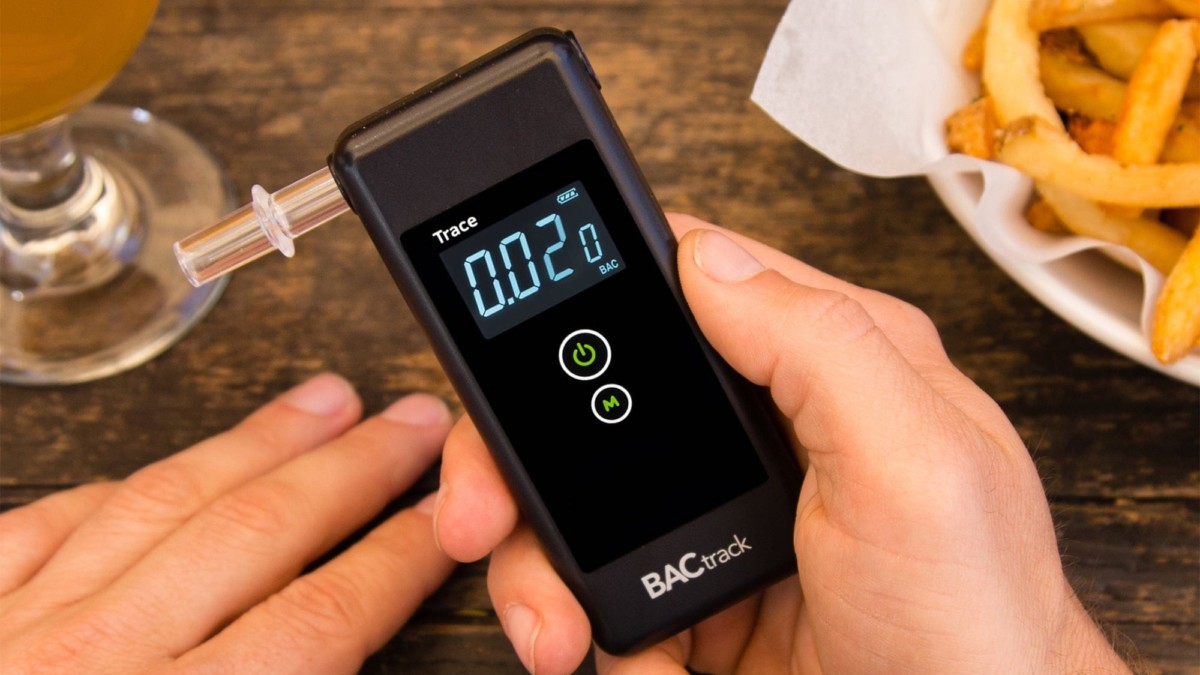 BACtrack Trace Pro Breathalyzer accurately determines your blood alcohol level
