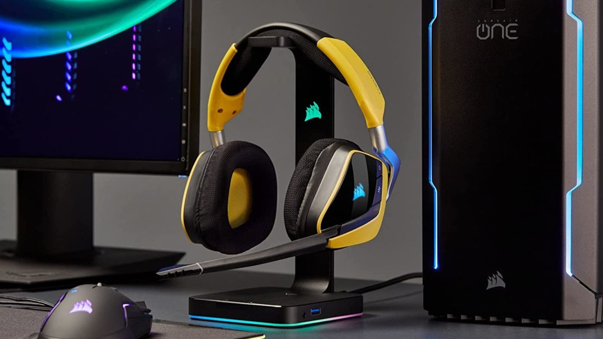 CORSAIR VOID ELITE Gaming Headphones boast 7.1 surround sound