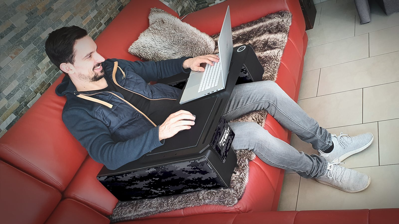 Couchmaster CYBOT Gaming Lap Desk features a special ventilation grille