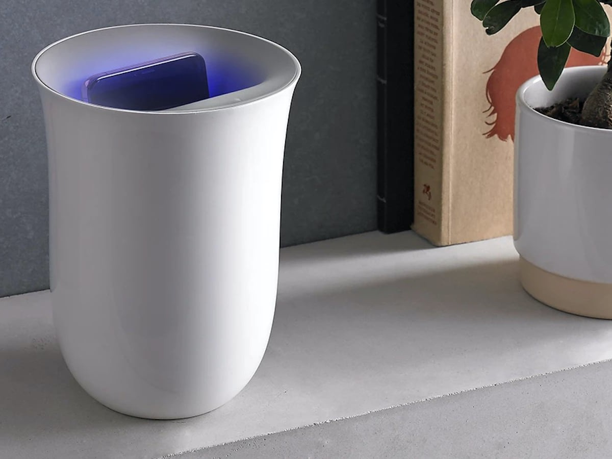 Lexon Oblio Sanitizing Wireless Charger uses UV LED technology