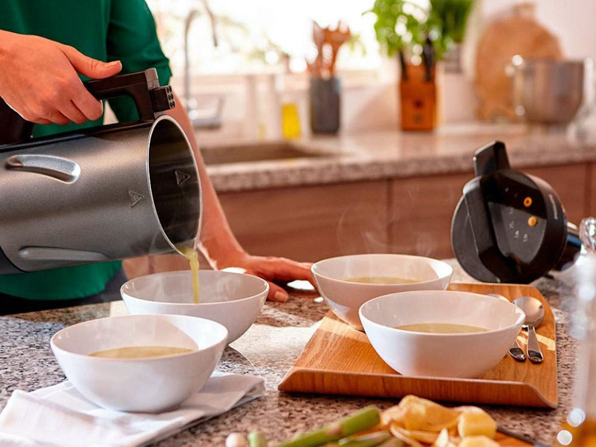 Philips Soup Maker Puréeing Machine makes fresh and healthy soups in just 18 minutes