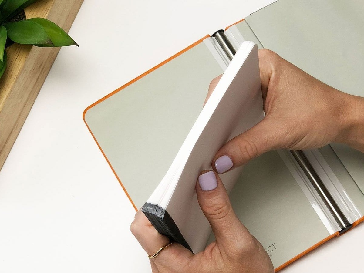 Rekonect G1 Magnetic Notebook lets you rearrange pages however you like