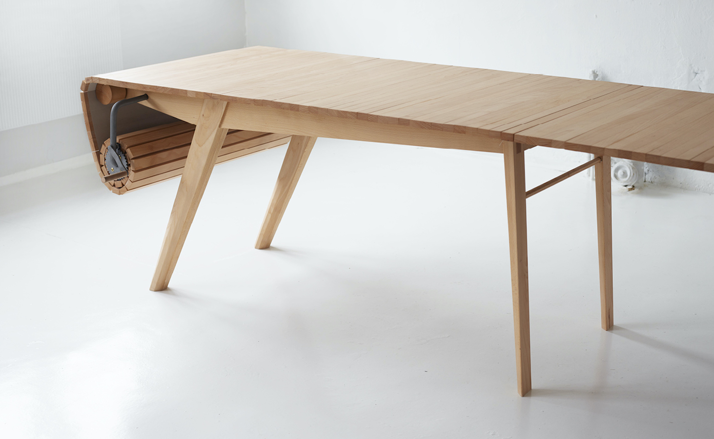 Roll-Out Table Adjustable Tabletop