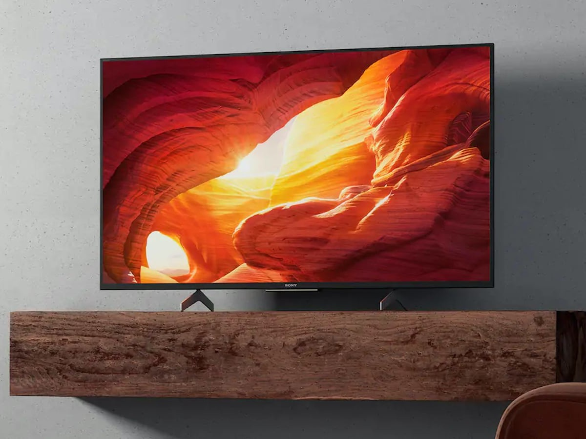 Sony XH85 4K TV has a compact size with modern design