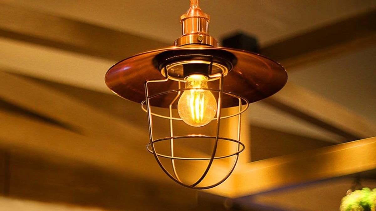 The Tp Link Kasa Smart Bulb Emits A Warm Amber Glow