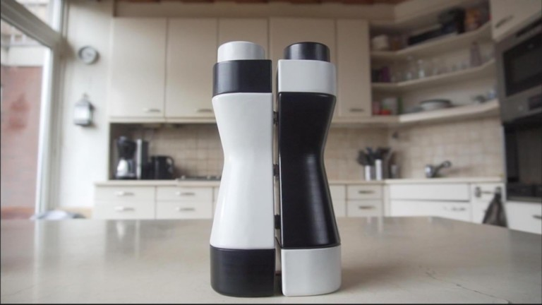 This magnetic water bottle is better for the environment