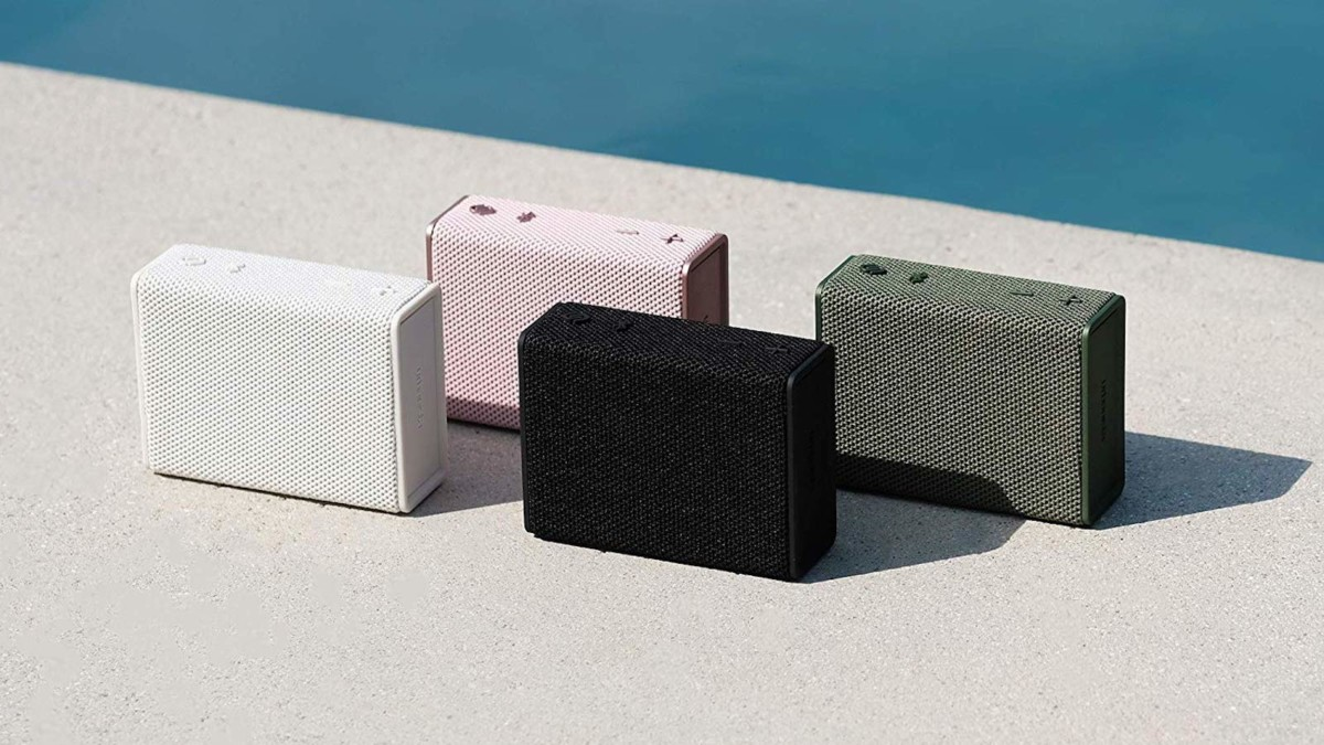 Urbanista Sydney Pocket-Size Speaker gives you up to 5 hours of playtime