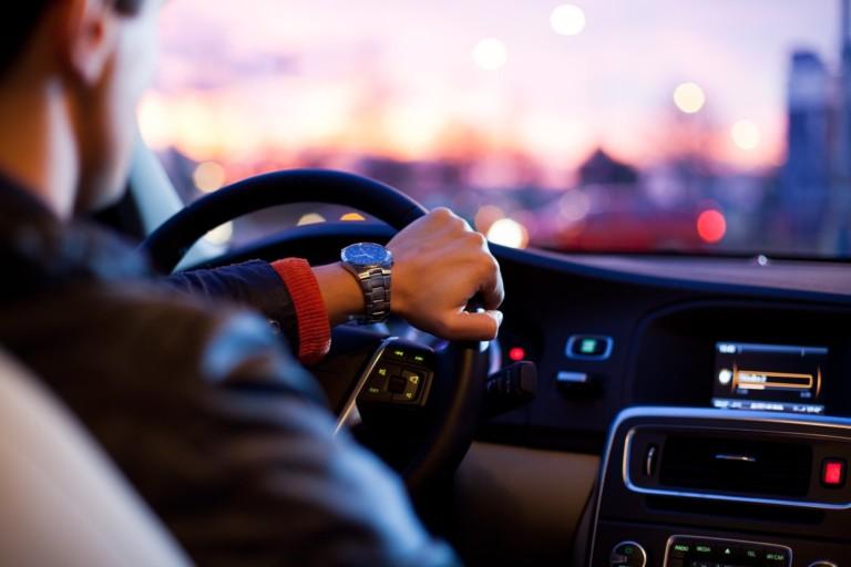 A car accountability app is the easy way to be a good Samaritan