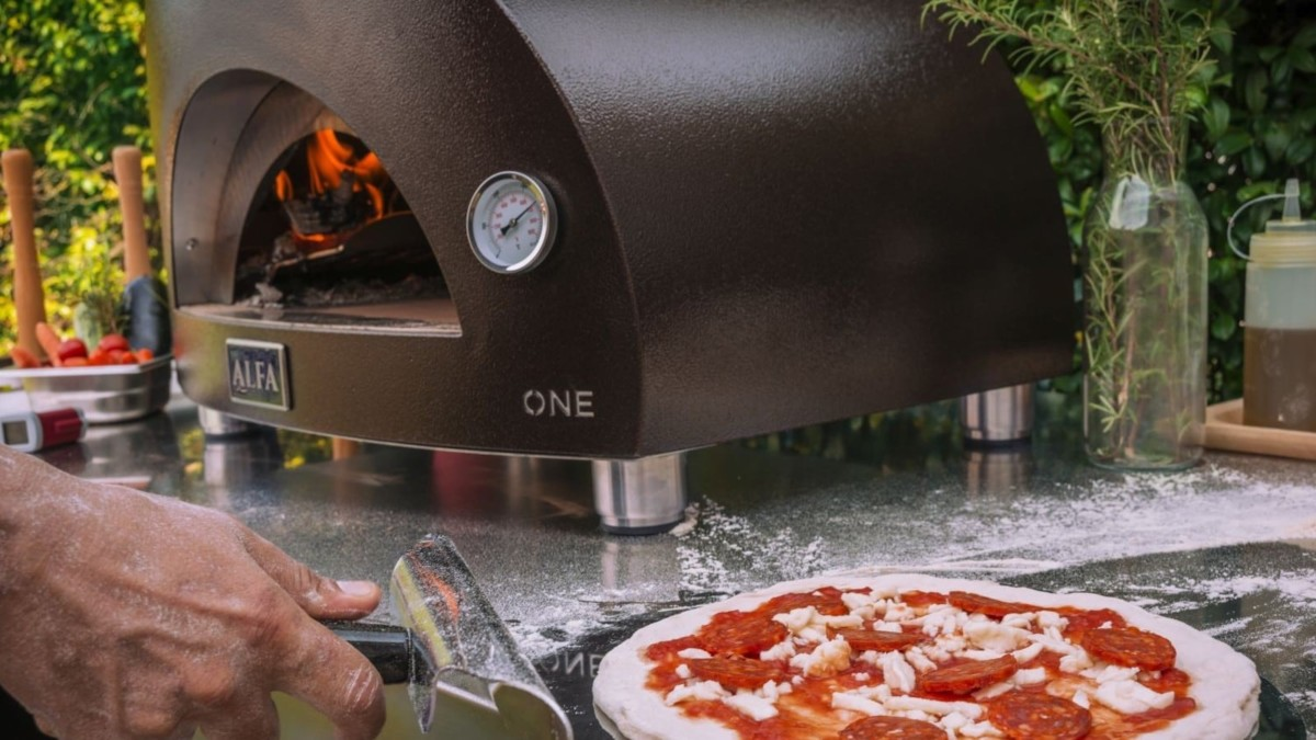 ALFA One Compact Pizza Oven can cook up a pie in just 60 seconds