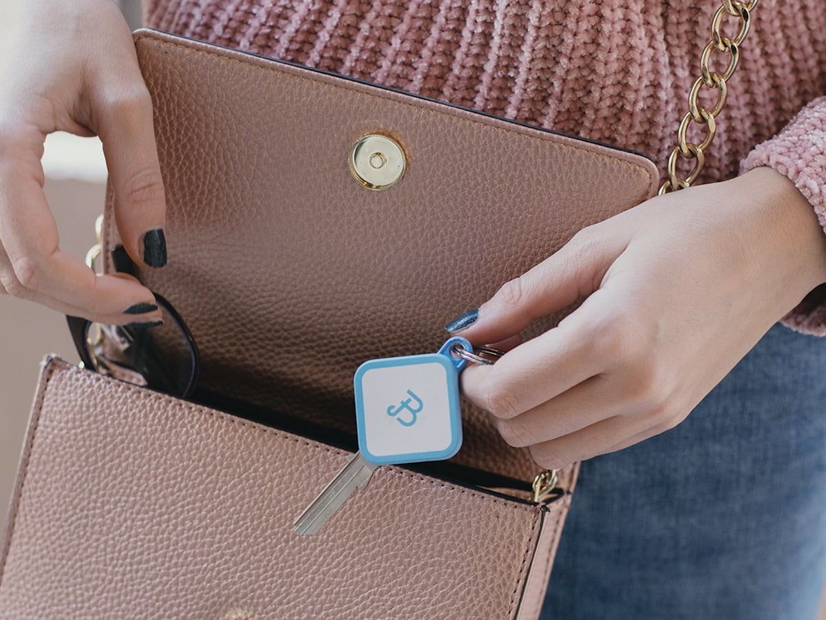 Bianca key keychain finder transforms your old key into a smart one