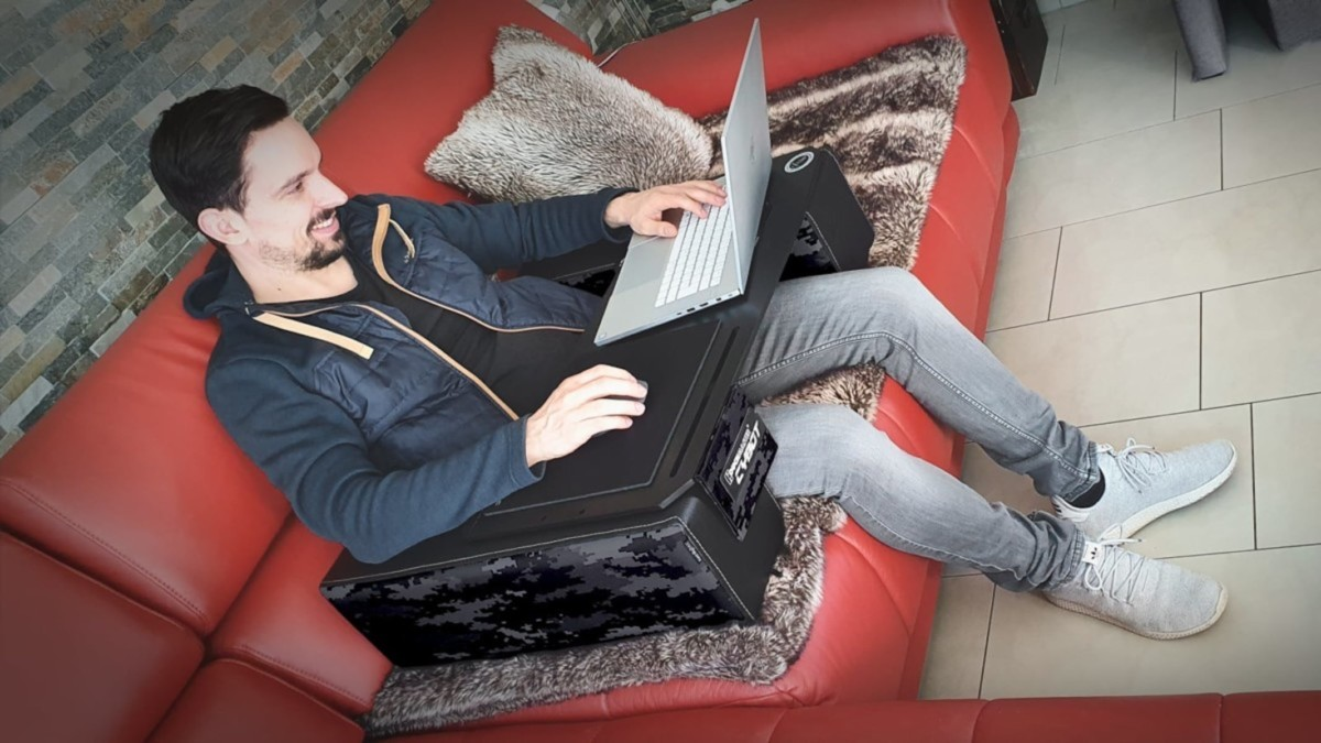 A gaming lap desk that will let you game in comfort
