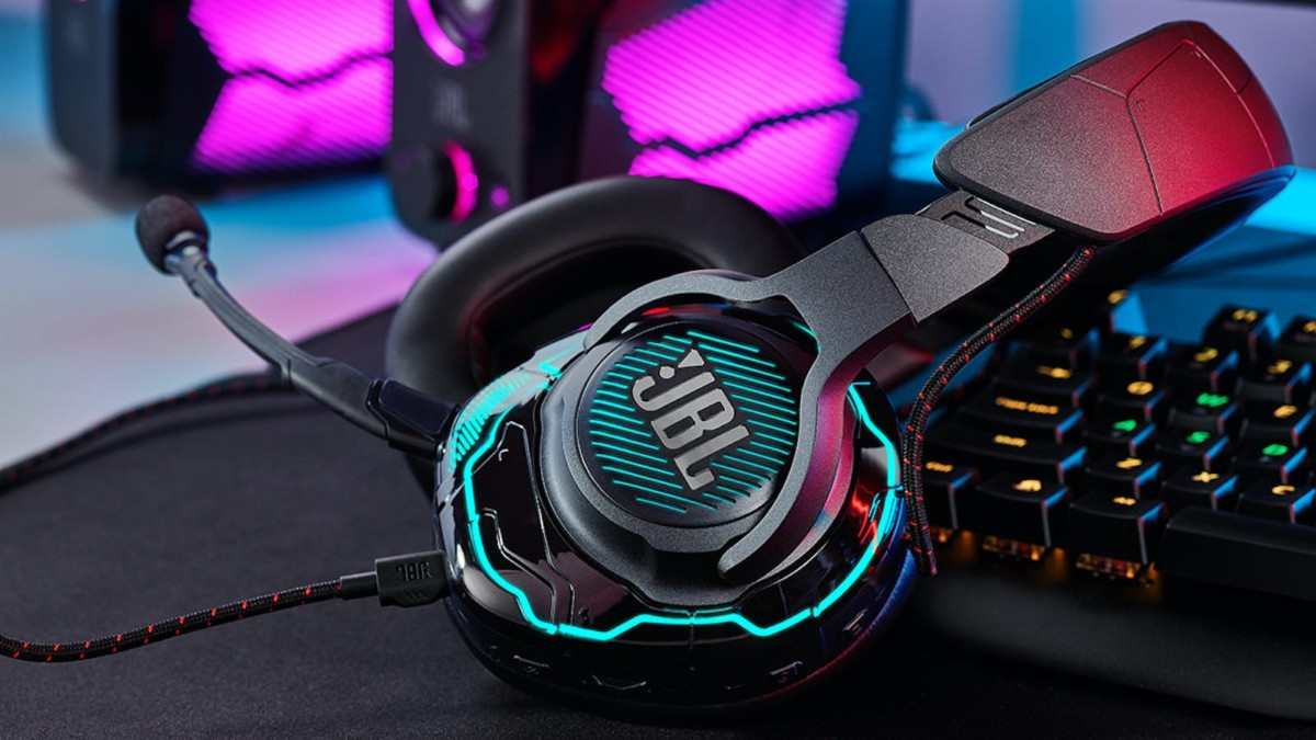 JBL Quantum ONE Pro Gaming Headset produces accurate audio positioning