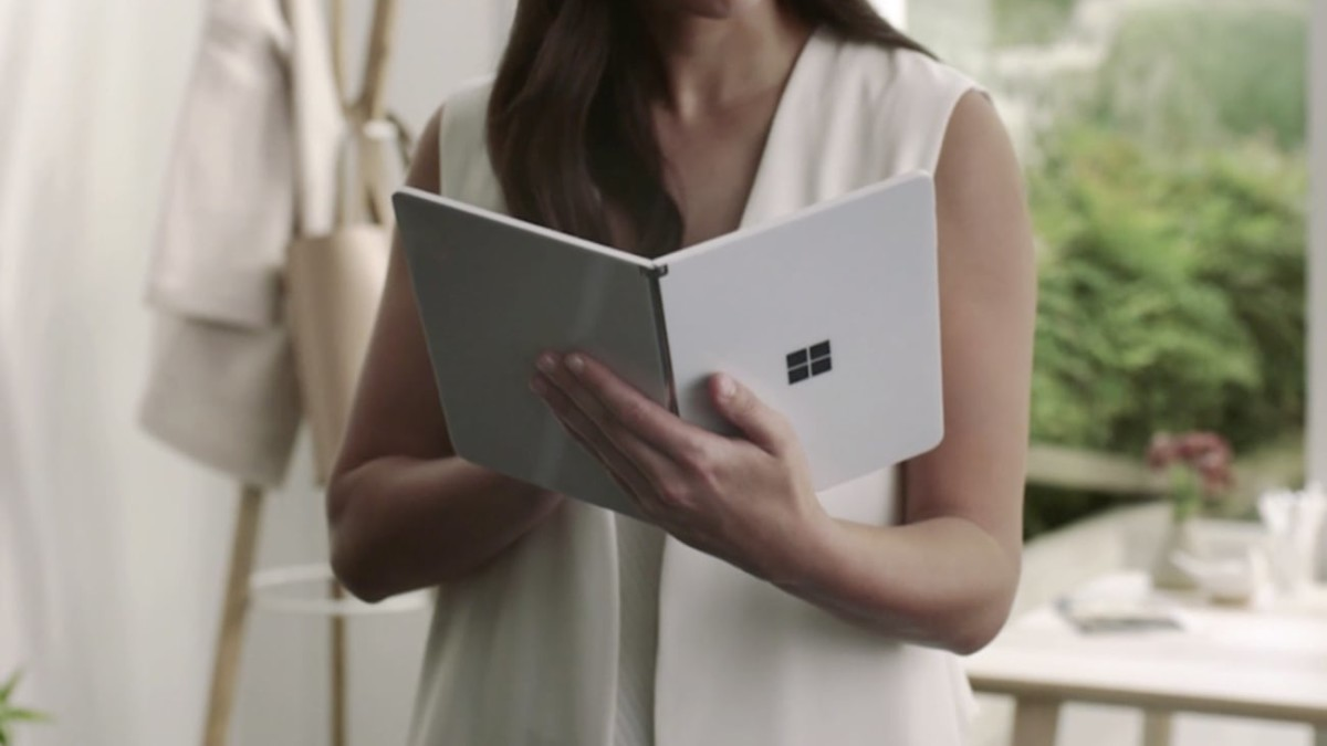 Microsoft Surface Neo Dual-Screen Folding Tablet Design