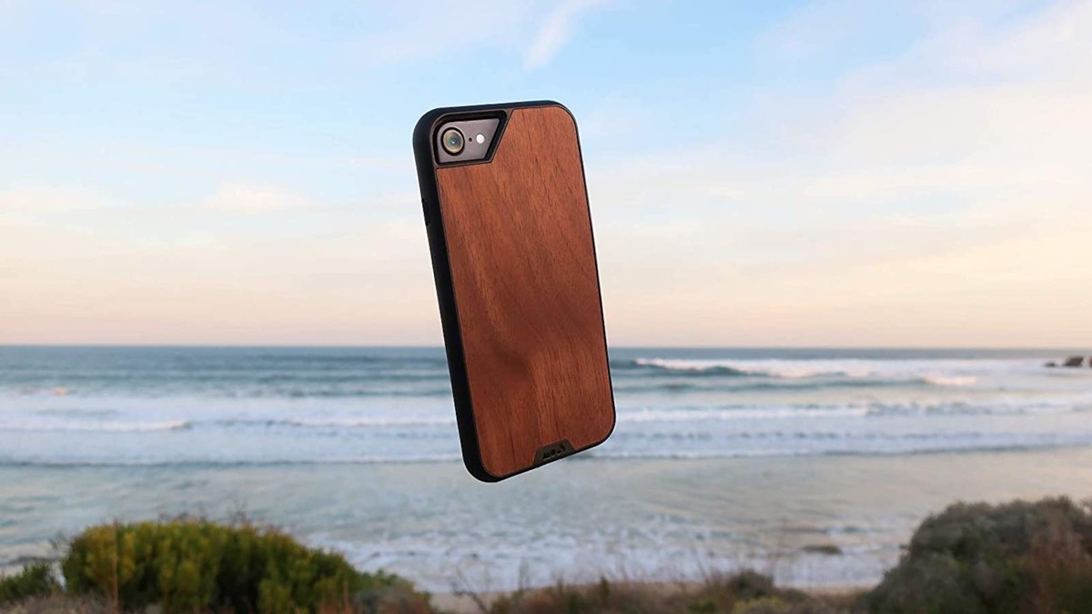 Mous Protective iPhone SE Case Rigid Cover protects every corner of your smartphone