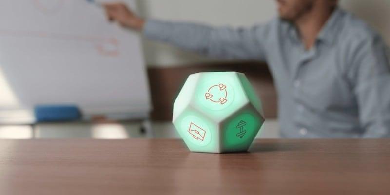 A hexagonal time tracker cube