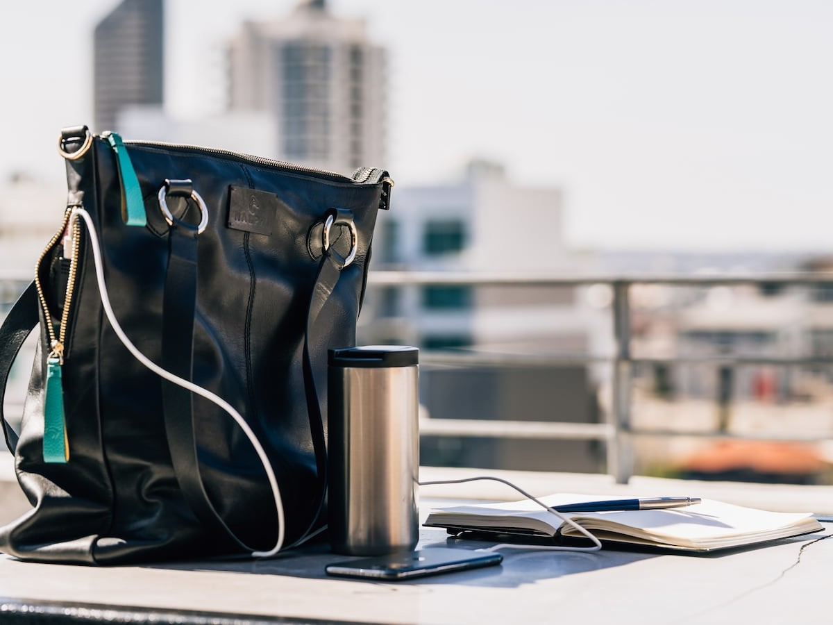 NALPHI Light-Up Luxury Tote Bag features an alarm system and mobile charging