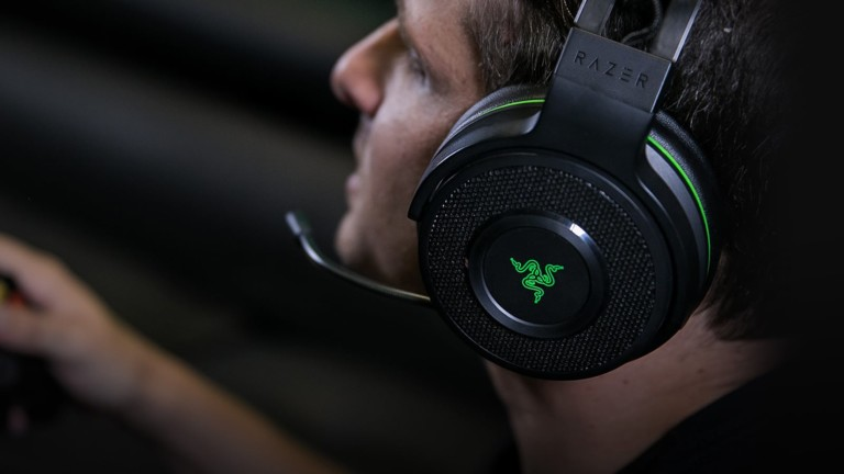 Razer Thresher Ultimate Xbox Headset offers surround sound for immersive gaming