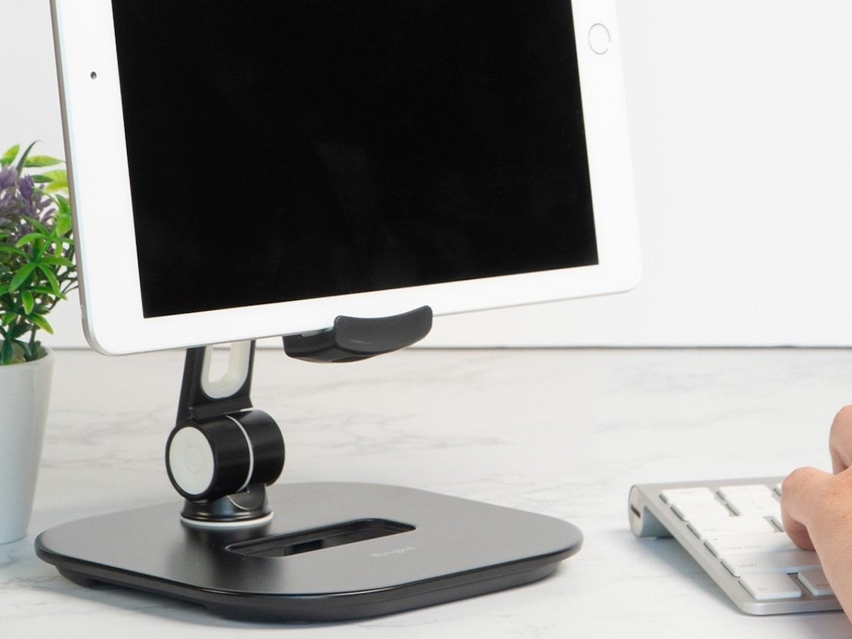 Ringke Iron Tablet Stand Hands-Free Device Holder offers 3 rotational joints