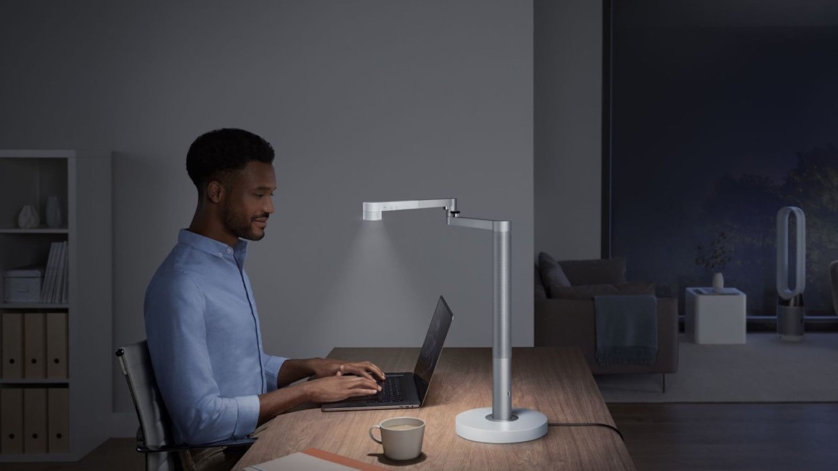 Smart table lamps for your workspace