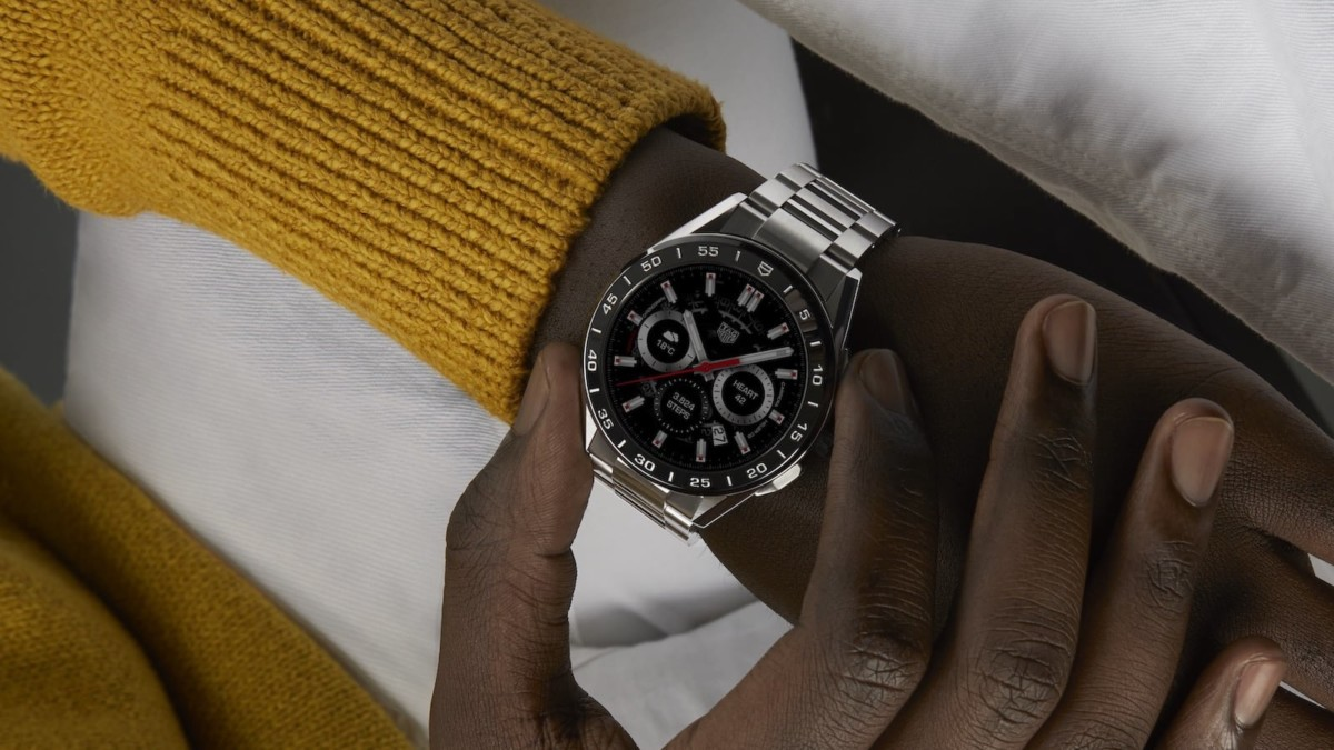 TAG Heuer Connected 3rd Generation Iconic Smartwatch features avant-garde design