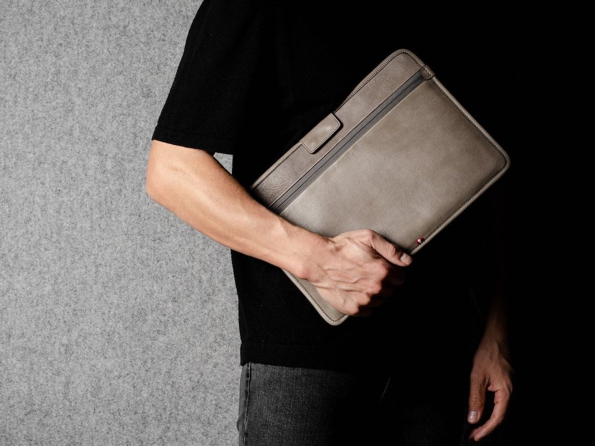 hardgraft Surround MacBook Thing Protective Laptop Sleeve has a smooth interior lining