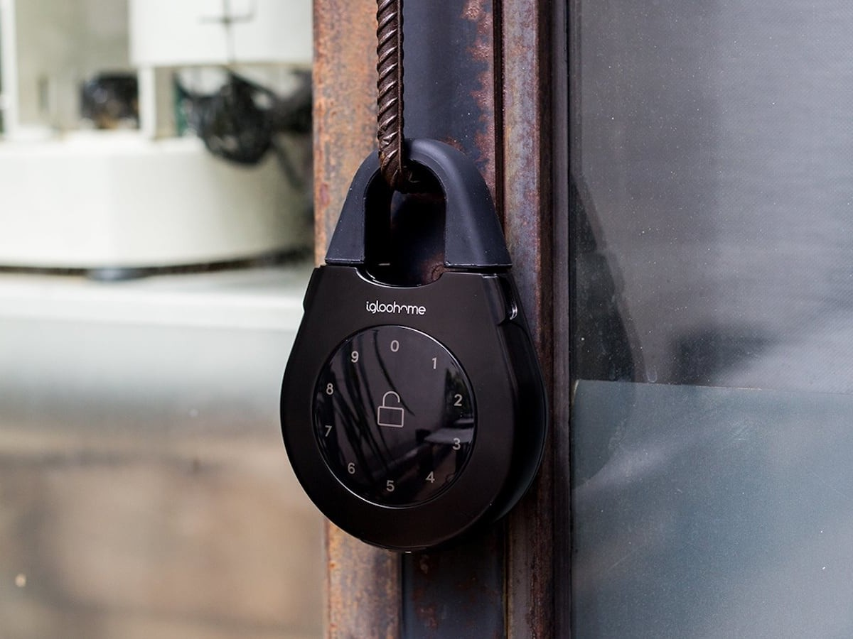 igloohome Smart Keybox 3 Intelligent Lockbox stores all kinds of keys and access cards