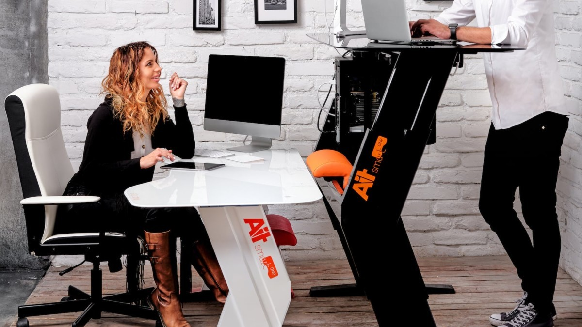 This smart desk has everything you need to stay healthy at work