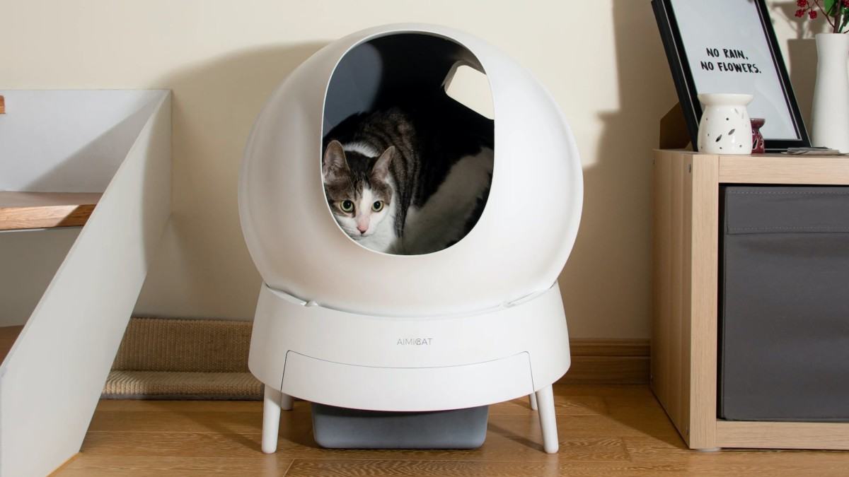Aimicat Hygienic Smart Litter Box reduces odors and automatically cleans