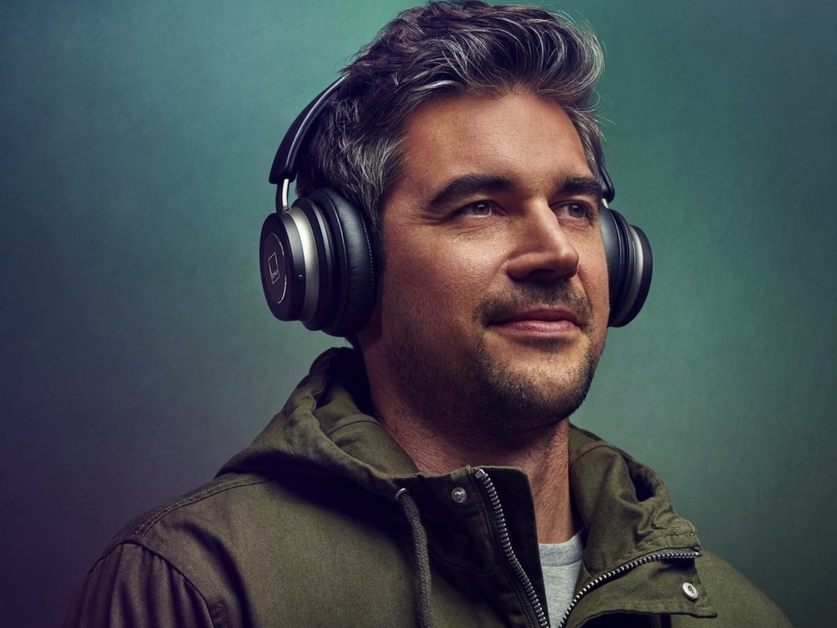 Dali IO-6 Immersive Noise Canceling Headphones offer natural passive noise isolation