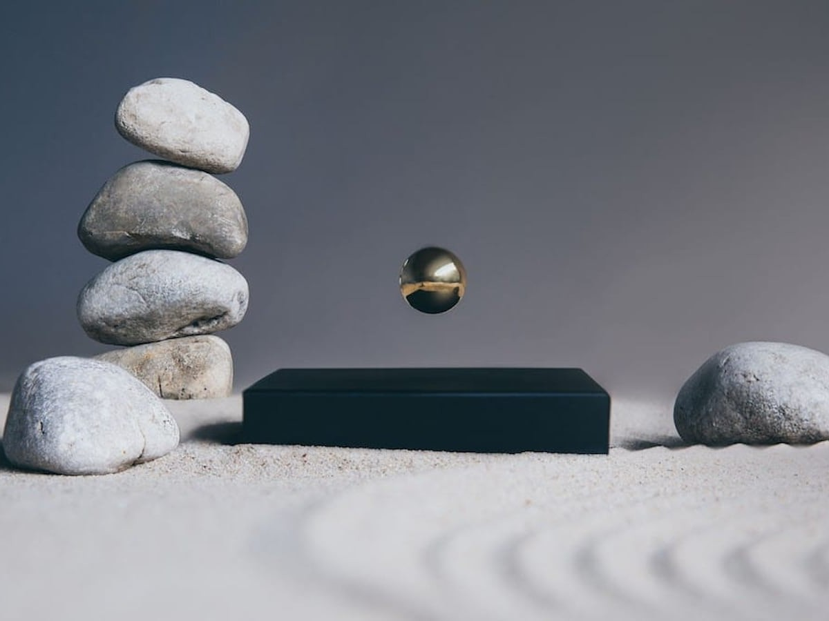 Flyte Buda Ball Levitating Sphere is so mesmerizing that it helps you reduce stress