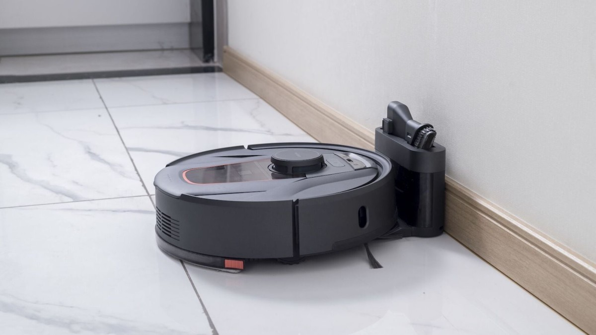 HaierTAB Robot Mop and Vacuum gives you hassle-free, tangle-free cleaning