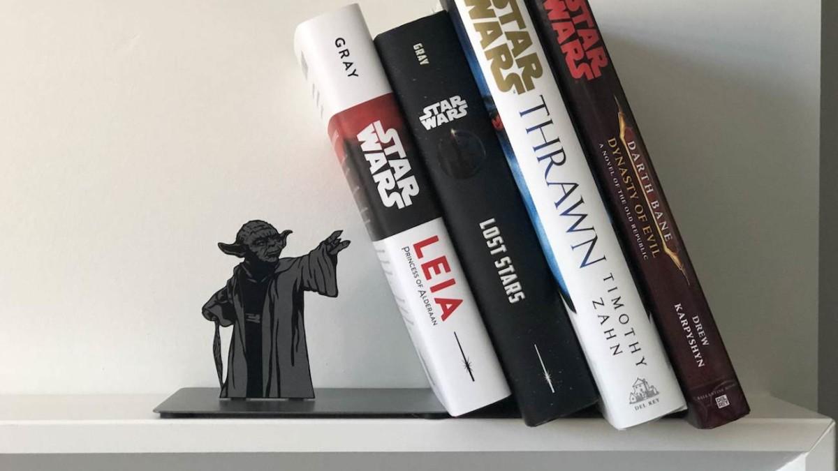 Hallmark Star Wars Yoda Metal Bookend