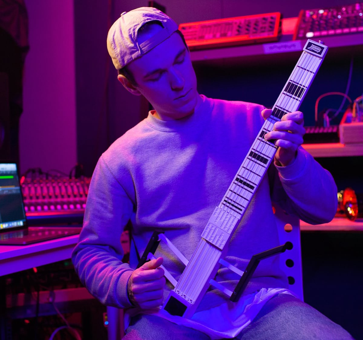 Jammy EVO Guitar MIDI Controller lets you create music in any genre