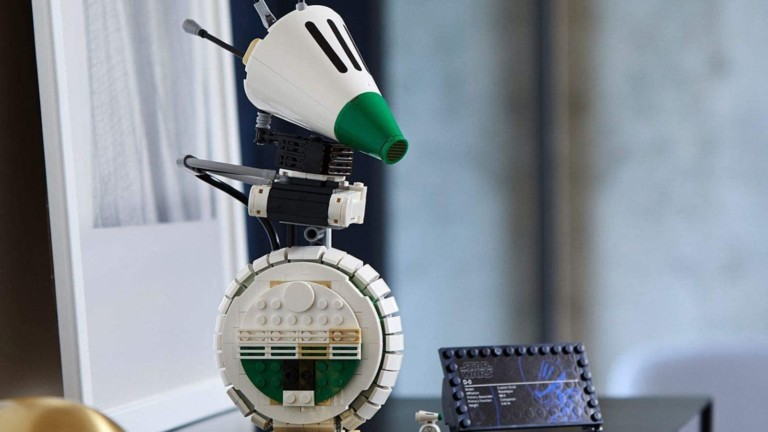 LEGO D-O Droid Building Set is worth showcasing on your shelf