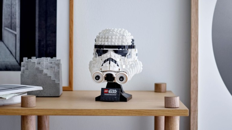 LEGO Star Wars Stormtrooper Helmet Building Set